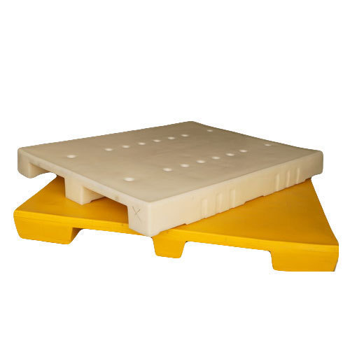 White Plaast Rectangular Roto Molded Plastic Pallets, Dimension/Size: 2x2.5 Feet To 5x5 Feet Pallets